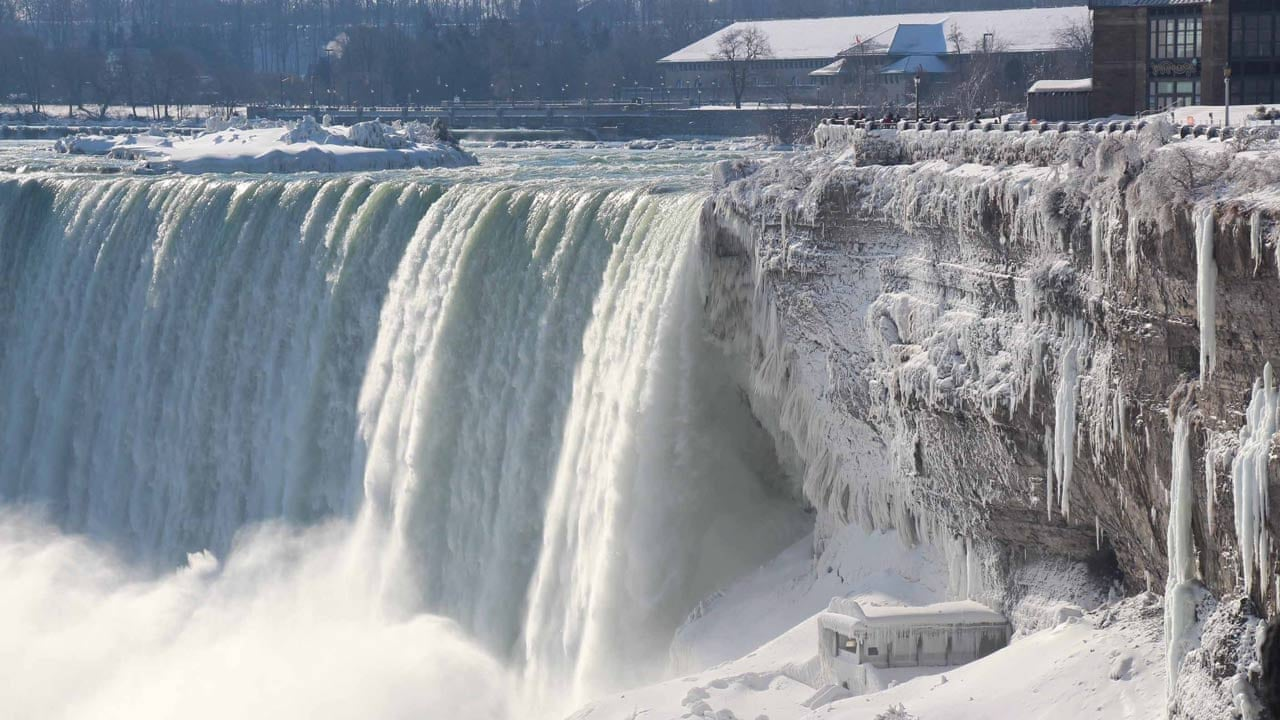 Niagara Falls Frozen Tourists Flock To See Icy Spectacle Video