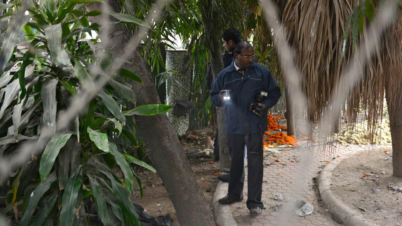 Delhi: Danish tourist gang-rape accusations stir up anger - video