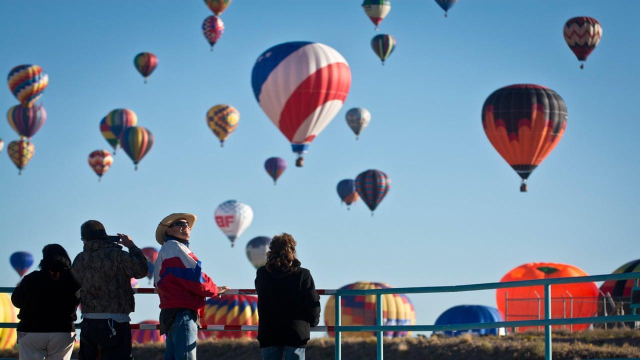 Hot air balloons descend on Albuquerque International Balloon Fiesta -  video | US news | The Guardian