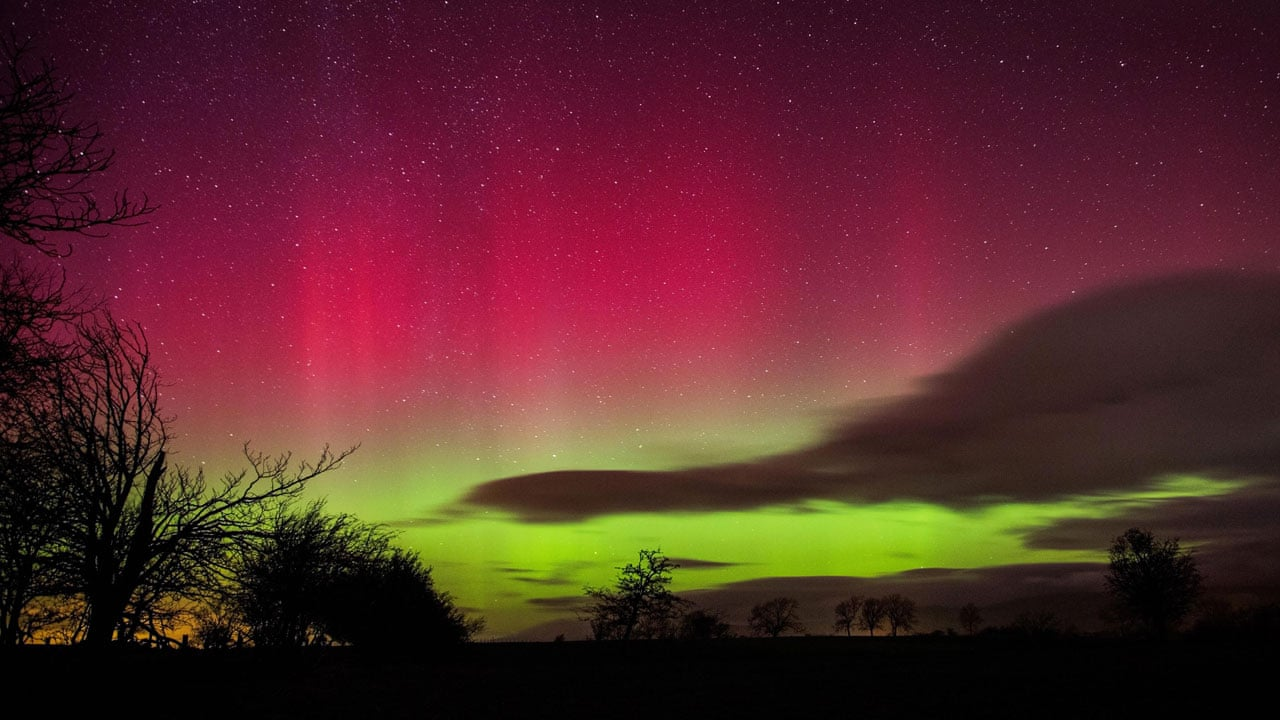 Northern lights seen from Isle of Man – timelapse video