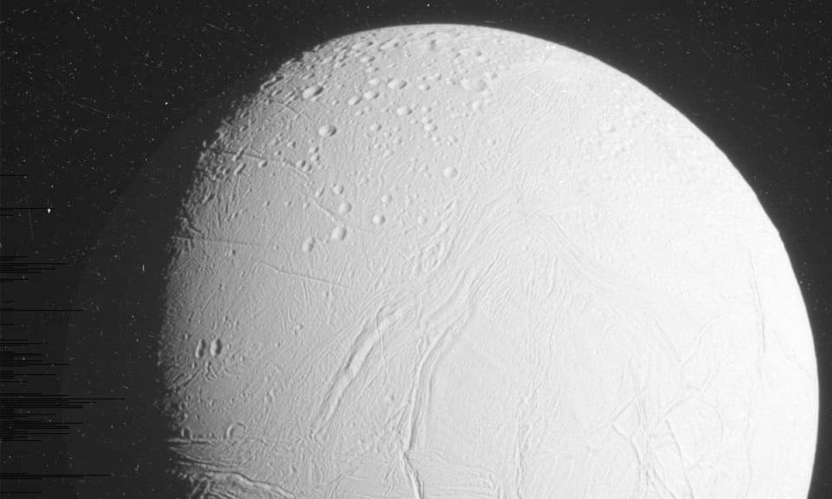 Saturn moon's underground ocean captured by Nasa ...