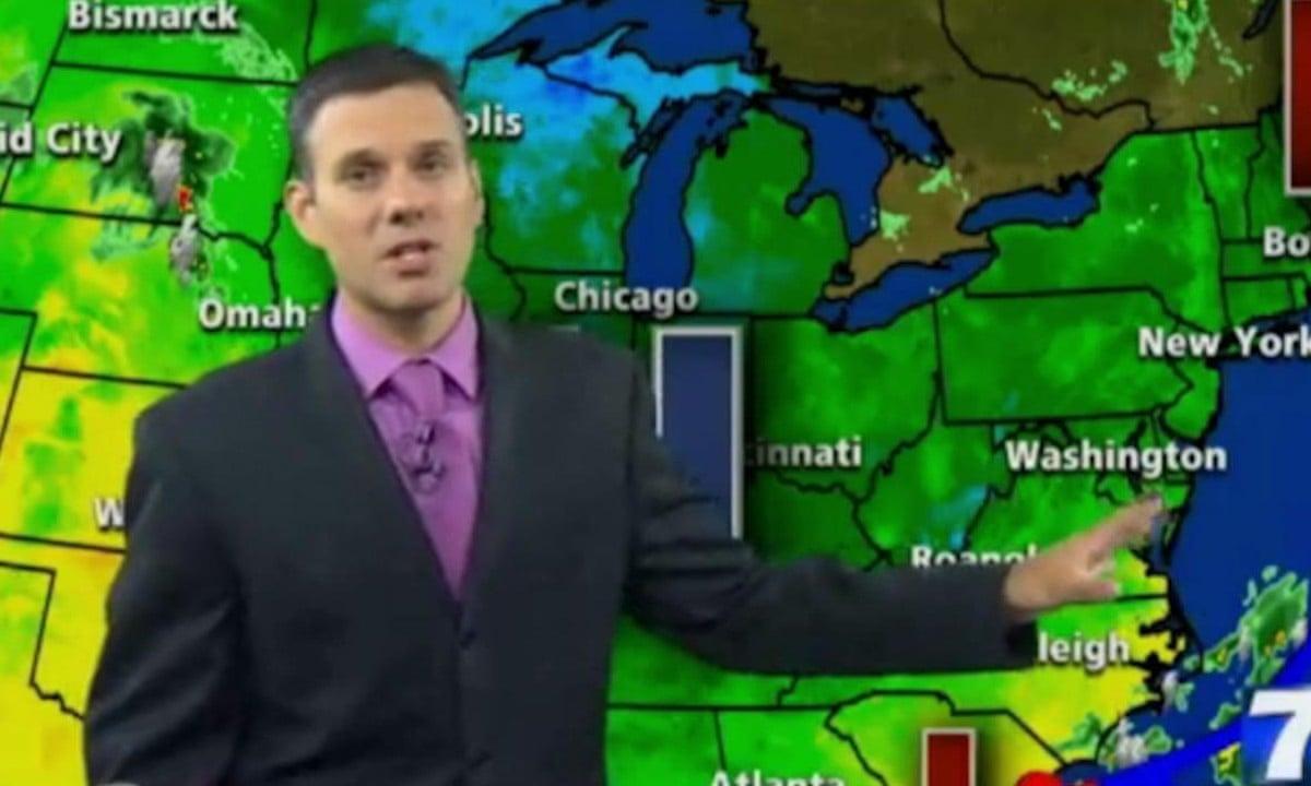 Virginia shootings: WDBJ7 weather man emotional during broadcast – video