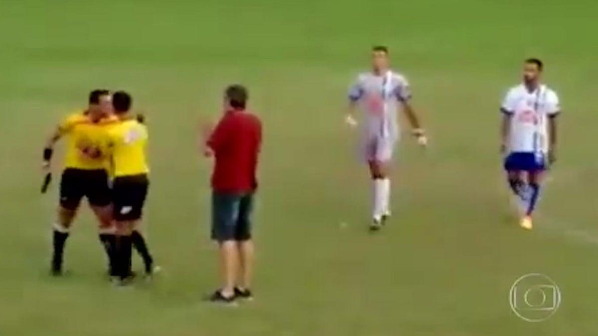 Referee Pulls Out Gun During Brazilian Football Match Video