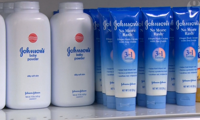 Johnson Johnson To Pay 72m In Case Linking Baby Powder To Ovarian Cancer World News The Guardian