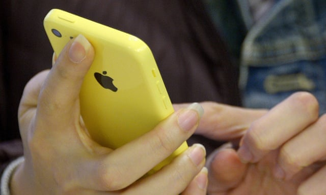 Snowden: FBI's claim it can't unlock the San Bernardino iPhone is 'bullshit'