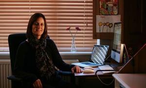 Dawn Kitchener web moderator