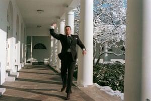 Great press photography: Ronald Regan hurls a snowball