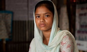 Bangladeshi girls stand against early marriage