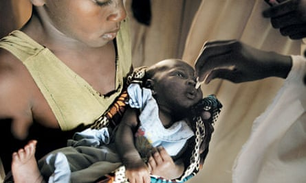 Teams Give Polio Vaccine in Massive Nigerian Innoculation