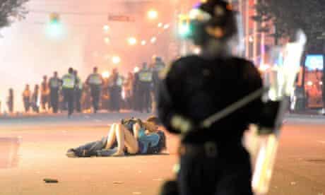 Vancouver riot 'kiss' couple