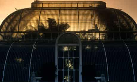 The palm house at kew gardens at dusk