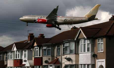 Plane arrives at Heathrow