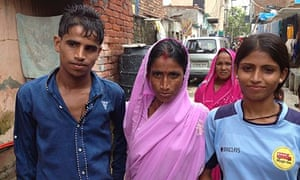 Akhilesh with her brother and mother