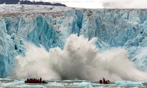 Visitors witness large chunk falling from Monaco Glacier, Spitsbergen - 24 Jul 2013