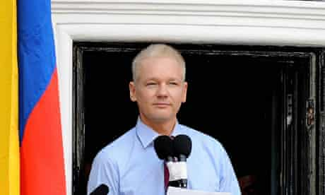 Assange gives public statement from balcony of Ecuadorian embassy, London, Britain - 19 August 2012