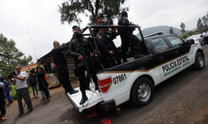 Police find mass grave in Tlalmanalco, Mexico