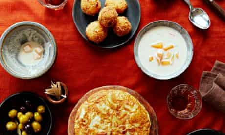 10 Best Spanish recipes: almond soup with melon, tortilla