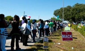 People queue to vote in Miami