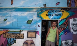 Andreas Wielend in his Vidigal hostel