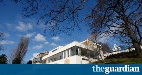 Mies van der rohe 39 s villa tugendhat restored in czech for Moderne architektur villa