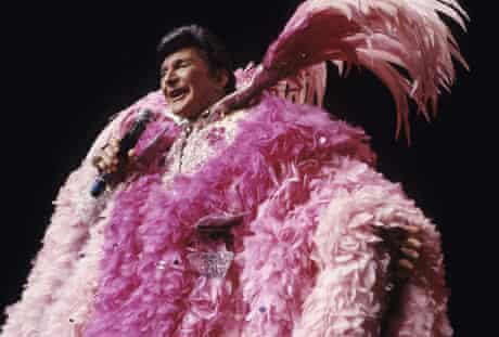 Liberace performs at Radio City Music Hall in 1985