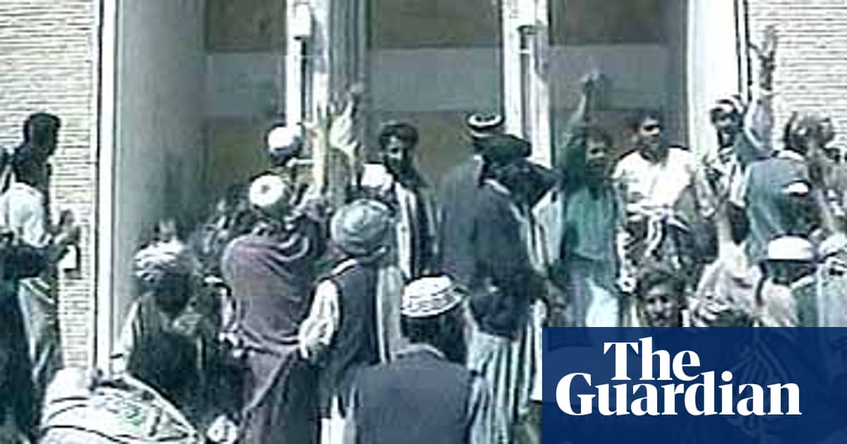 Kabul Protesters Attack Us Embassy Afghanistan The Guardian