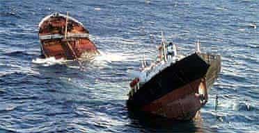 Prestige oil tanker breaks in half