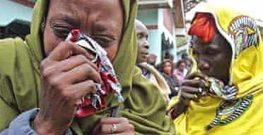 Southern Sudanese women mourn the death of John Garang