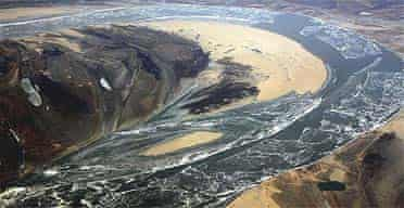 The polluted Songhua river near to the Chinese city of Harbin