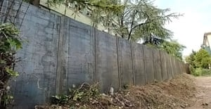 The wall built on the outskirts of Padua to seal off the Serenissima housing estate.