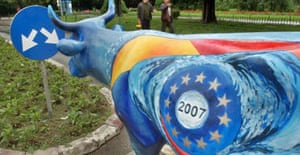 A model cow in Romania painted with the European Union symbol
