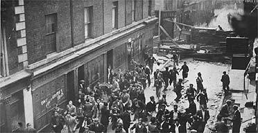 Cable Street demonstrators in 1936