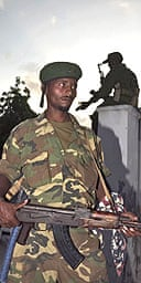 Somali soldiers on guard