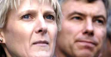 Solicitor Sally Clark and her husband Stephen outside the High Court in central London in 2003