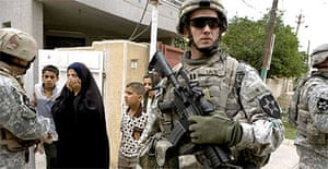 US soldiers visit an Iraqi army base in Amiriya, a Sunni neighbourhood in west Baghdad