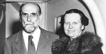 Juan Ramón Jiménez with his wife Zenobia Camprubi