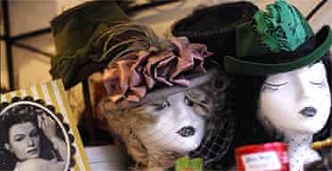 Retro style 1940's vintage wigs and hats
