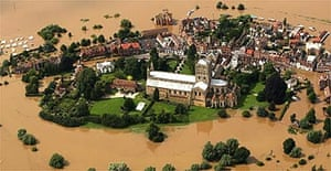 Tewkesbury surrounded by flood waters
