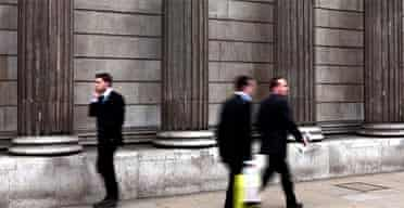 City workers outside the Bank of England