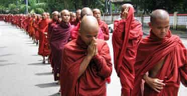 Hundreds of Burmese Buddhist monks marched on a street in Yangon to protest against the military junta's alleged violence against Buddhist monks at Pakoku, the upper part of Myanmar