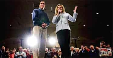 Mitt Romney and his wife, Ann, in Iowa