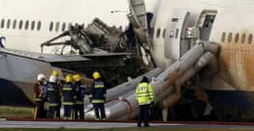 plane crash-lands at Heathrow