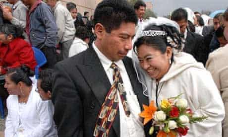 Mass wedding Mexico migrants Tijuana