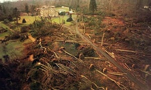 Emmetts House in Kent after the October 1987 storm