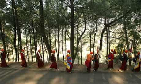 Tibetan protesters in India on the second day of a march to their homeland