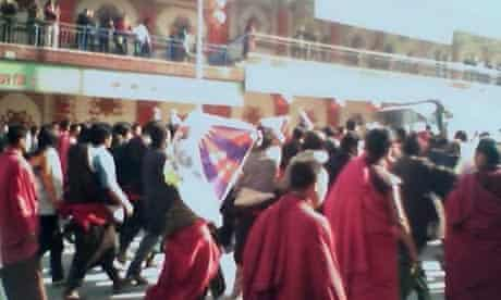 Monks protest on the streets of Xiahe