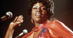 Gloria Gaynor on stage in 1975