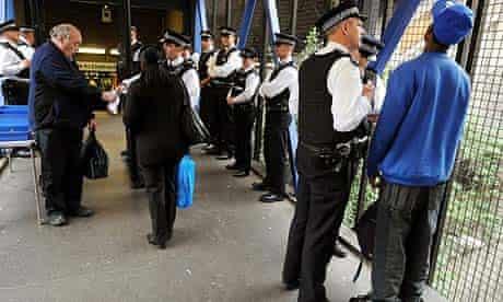 Metropolitan police operation to cut knife crime