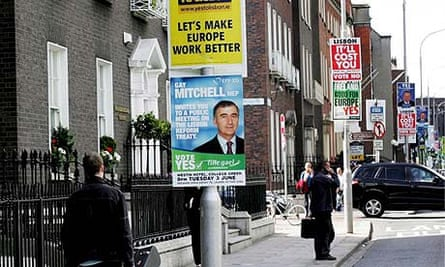 Dublin lampposts carry posters with conflicting messages as political parties step up their campaigns ahead of the referendum vote on the Lisbon Treaty