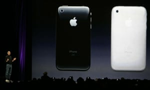 Apple CEO Steve Jobs shows off the two colours of the new Apple iPhone 3G